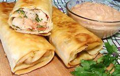 Шаурма с курицей по-домашнему это вкусное блюдо, сделать которое очень легко и быстро. Многими любимый домашний фаст - фуд. Шаурму можно брать с собой на работу вместо привычных бутербродов, она идеально подходит для пикника и для перекуса в дороге.
