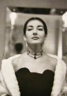 Maria Callas - Date and photographer unknown Maria Callas, Divas, Yoga Hair, Heaviest Woman, Russian Wedding, Opera Singers, Ice Queen, Classical Music, Old Hollywood