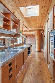 Are Vesterlid Atriumshus Hamar Mid-century Modern, Contemporary, Pergola Designs, Mid Century Design, Rustic Interiors, Kitchen Interior, Interior Inspiration, Sweet Home, Real Estate