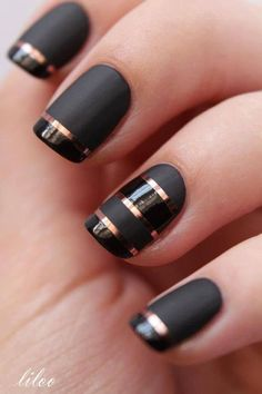 Black & gold matte nails