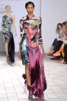 See all the Collection photos from Central Saint Martins Ba Autumn/Winter 2015 Ready-To-Wear now on British Vogue Fashion Design Universities, Fashion Connection, Vogue, Central Saint Martins, Little Dresses, Colorful Fashion, Fashion Prints, Catwalk, Fashion Show