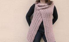 free vest crochet pattern with chunky yarn video tutorial Crochet Vest Pattern, Cardigan Pattern, Crochet Cardigan, Free Pattern, Chunky Crochet, Chunky Yarn, Knit Or Crochet, Crochet Chain, Double Crochet