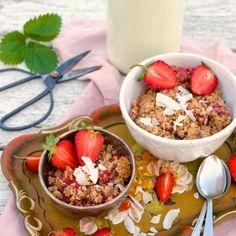 JAHODOVÝ CRUMBLE - Moje Jedlo Acai Bowl, Gluten Free, Tasty, Breakfast, Healthy, Fitness, Food, Acai Berry Bowl, Glutenfree