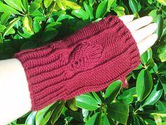 Aragorn Fingerless Gloves by Tabitha's Heart #LOTR #knitting #hobbit