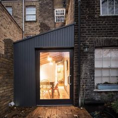This is a small side return extension to a Victorian terraced house in the heart of Camden Town. Garage Extension, Cottage Extension, Side Return Extension, House Extension Design, Extension Designs, Extension Ideas, Extension Google, Cost Of Extension, Kitchen Extension Edwardian House
