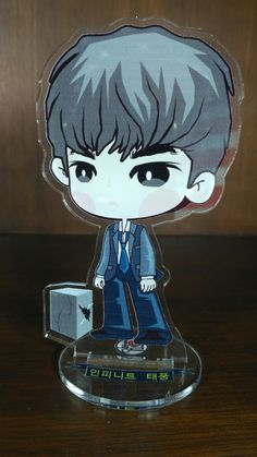L The Eye Standing Doll