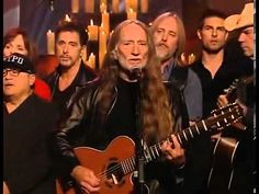 Willie Nelson & Friends - Tribute - America The Beautiful - YouTube. Whatever the conspiracy theories regarding 9/11 this rendition is very moving