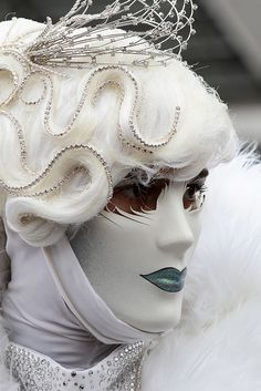 """""""There comes a point where it's hard to mask your basic personality"""" - JACQUELINE BISSET - (Photo by Chinellato) Mardi Gras Carnival, Venetian Carnival Masks, Carnival Of Venice, Venetian Masquerade, Masquerade Ball, Venice Carnivale, Venitian Mask, Costume Venitien, Venice Mask"""