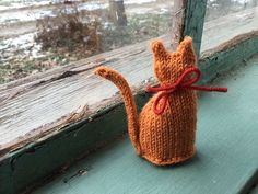Tiny Window Cat pattern by Sara Elizabeth Kellner Knitted Cat, Knitted Animals, Animal Knitting Patterns, Crochet Patterns, Black Baby Dolls, Tiny Cats, Knit Picks, Cat Pattern, Crochet For Kids