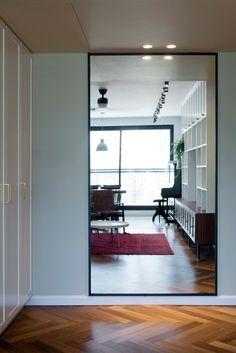 Bauhaus-Apartment-Raanan-Stern-5