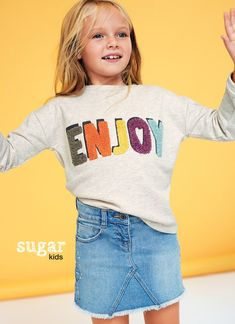 Laia by Sugar Kids for Kiabi. Source by oksanaborodina Young Girl Fashion, Kids Fashion, Outfits For Teens, Cool Outfits, Word Girl, Girl Trends, Girls Sleepwear, Girls Blouse, Kids Branding