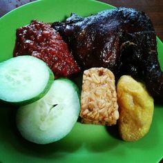 """@wirawanagahari's photo: """"Ayam cobek cisitu #food #dailypict"""""""