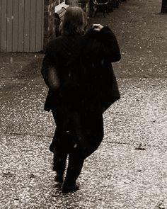 Skin Deep Owns This Ass — emospritelet: anonymousnerdgirl: The Frozen. Belle And Rumplestiltskin, Rumpelstiltskin, Ouat Characters, Once Up A Time, Emilie De Ravin, Robert Carlyle, Gold Mine, Bobby, Tv Series