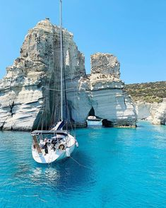 Greece Destinations, Vacation Destinations, I Want To Travel, Travel Trip, Greek Islands, Marina Bay Sands, Picture Ideas, Places To Travel, Travelling