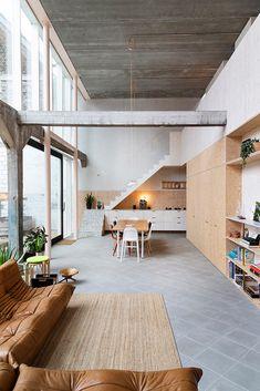Living Room Interior, Home Interior Design, Interior Styling, Interior Architecture, Interior And Exterior, Tiny House Loft, Narrow House, House Inside, Beautiful Interiors