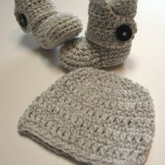 Newborn hat and booties set.  Gender by ThoughtfulStitches on Etsy, $28.00  Want so bad for Noah or Leah