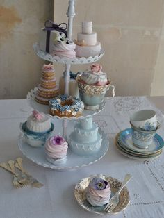 Vintage cakes and cups...pretty for a tea party bridal shower