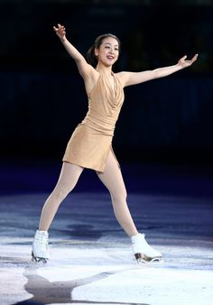 【フィギュアスケートエキシビション】演技する浅田真央=ロシア・ソチのアイスベルク・パレスで2014年2月22日、山本晋撮影