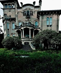 "flower-nymph: ""snarksandkisses: La Villa Zanelli, Savona, Italy Built in 1907 by Nicholas Zanelli, situated in a large garden in direct communication with the sea, until 1933 belonged to the family of. Abandoned Property, Old Abandoned Houses, Abandoned Castles, Abandoned Buildings, Abandoned Places, Old Houses, Haunted Houses, Creepy Houses, Haunted Mansion"