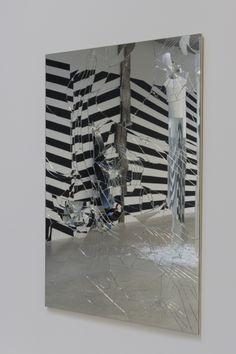 """Vue de l'exposition """"L'Écho / Ce qui sépare"""", Hab Galerie, 2014, © Marc Domage"""