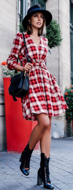 Annabelle Fleur rocks the trend in this gorgeous plaid dress.   Bag: Chloe Hudson, Boots: Harper,  Dress: Paul & Joe.