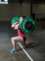 Walking lunge, bottom position. Julie Foucher. #CrossFit