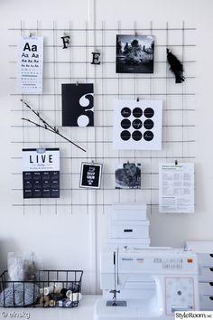 kontor,kontorshörna,arbetsplats,arbetshörna,skrivbord,anslagstavla,armeringsnät,almenacka,lådor,boxes