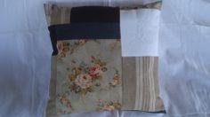 """Coussin """"shabby"""", montage patchwork motif fleuri : Textiles et tapis par rouge-lin-et-bois"""
