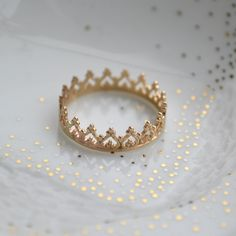 14K solid gold There is no queen without a crown ring  SIZE 3-7.5. €125.00, via Etsy. - OBLIGATORY WEDDING RING