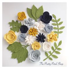 New Shady day set now available 💕 Mellow yellow is a new shade we will be adding to our many colours we stock already 😍 Felt Diy, Handmade Felt, Handmade Flowers, Felt Crafts Diy, Felt Flower Template, Felt Flower Tutorial, Felt Flowers, Fabric Flowers, Paper Flowers