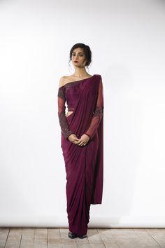 #Elegant #Saree Drape and off-shoulder blouse <3 via @sunjayjk