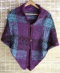 Resultado de imagen para tejido telar triangular Pin Weaving, Textiles, Weaving Projects, Sewing, Fabric, Sweaters, Clothes, Fiber Art, Spinning