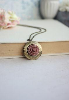 Rojo Oscuro Marrón Rosa Flor Collar Locket. Ronda por Marolsha