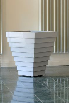 The stunning Wycliffe Planter by Oxford Planters. Each planter is made to order Trough Planters, Wooden Planters, Planter Boxes, Potted Plants, Outdoor Living, Hardwood, Art Deco, Wood Architecture, Oxford England