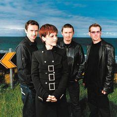 The Cranberries é uma banda de rock alternativo irlandesa que ganhou notoriedade durante a década de 1990, vendendo mais de 14,5 milhões de álbuns nos Estados Unidos.