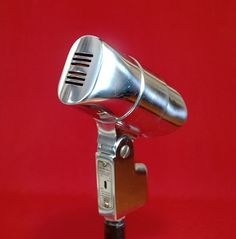 Microphone Vintage Electro Voice 650 Dynamic - Just when you thought it was safe to go outside!
