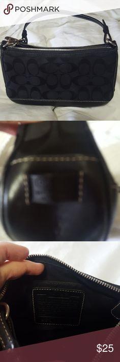 Coach purse Small black coach purse Coach Bags Clutches & Wristlets