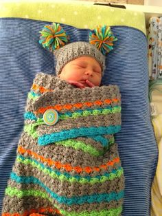 Unexpected colors - cheerful! No pattern, but stitch looks like the Sedge blanket here ~ http://www.ravelry.com/patterns/library/sedge-blanket #crochet #baby