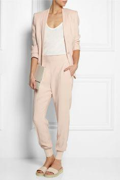 Chloe, minimalistic fashion, outfit