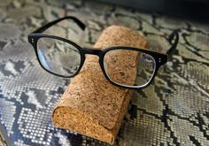 Designer sun glasses with really LOVELY cork case. Via http://www.coolhunting.com/style/david-kind-luxury-eyewear.php