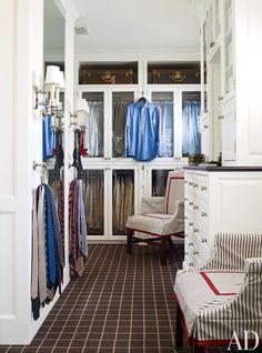 Long mirror, glass front doors, carpet