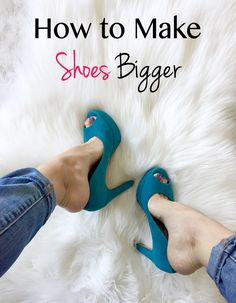 Are your new or old shoes too tight? Find out how to stretch shoes & how to make shoes bigger on www How To Stretch Shoes, How To Make Shoes, Shoe Stretcher, Narrow Shoes, Shoes Too Big, Old Shoes, Clothing Hacks, Clothing Styles, Mode Style