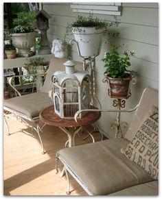 V I N T A G E O L O G I E: Porch of the Month ..