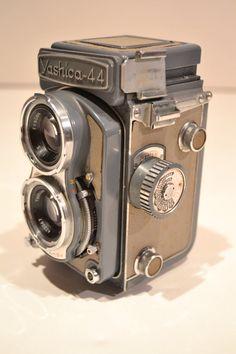 Vintage Yashica44 Camera