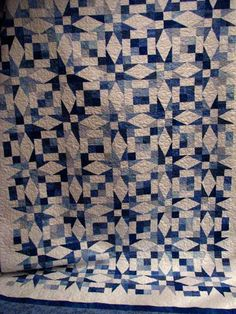 Beautiful Blue and White Star Quilt