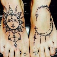 Tatuajes en los pies: Sol y luna