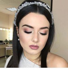 Soft Bridal Makeup Natural Looks Eyeliner Ideas For 2019 Soft Bridal Makeup, Wedding Makeup Tips, Wedding Makeup Looks, Natural Wedding Makeup, Soft Makeup, Natural Makeup, Bridal Beauty, Makeup Light, Glam Makeup