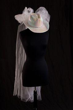 SALE - Cowboy Hat Wedding Veil, Bridal hat, Western Wedding Veil, Bachelorette Party Veil, Bridal Shower Veil, Rehearsal Dinner Veil