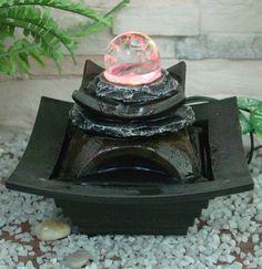 Perfect Tischbrunnen mit Kristallkugel und bunter LED Beleuchtung