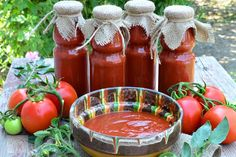 Ciorba de pui a la grec - CAIETUL CU RETETE Ketchup, Hot Sauce Bottles, Paella, Mozzarella, Food Art, Christmas Cookies, Cookie Recipes, Smoothies, Avocado